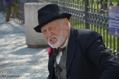 Człowiek, który swoim śpiewem i muzyką zaczarował moją duszę. #Praga #GrajekUliczny #RynekPraski