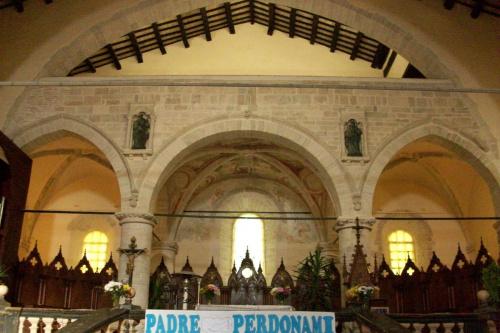 Kościół romański w Cingoli,Włochy.