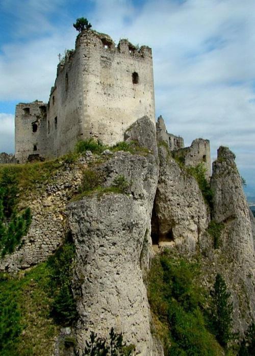 Ruiny zamku w Lietavie. Sierpień - 2009 #Lietava #zamek