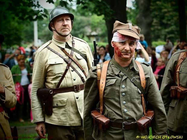 """Rekonstrukcja historyczna """"Nalot na Suwałki"""", 31 sierpnia 2012 #RekonstrukcjaHistoryczna #Suwałki #GarnizonSuwałki"""