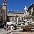 Posąg Madonna Verona #Adyga #Arena #balkon #Bazylika #Julii #miasto #Most #Romea #rzeka #Szekspir #Veneto #Verona #Werona #Włochy