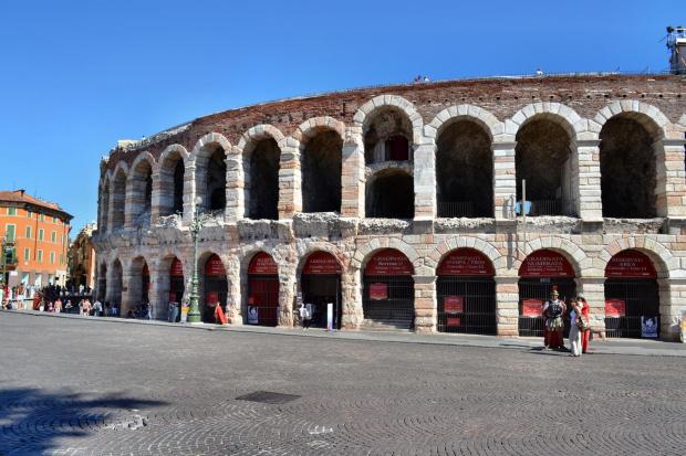 Arena - to jeden z największych rzymskich amfiteatrów #Adyga #Arena #balkon #Bazylika #Julii #miasto #Most #Romea #rzeka #Szekspir #Veneto #Verona #Werona #Włochy