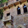 Słynny balkon Julii w jednej ze średniowiecznych kamienic #Adyga #Arena #balkon #Bazylika #Julii #miasto #Most #Romea #rzeka #Szekspir #Veneto #Verona #Werona #Włochy