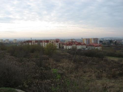 Widok z bunkra - zastanawiające jest, że bunkier ukierunkowany jest na Kraków #bunkier #TwierdzaKraków