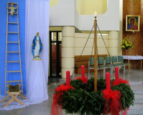 adwent to okres skupienia i pokuty ... to czas aby zatrzymać się w codziennym zabieganiu ... to czas radosnego oczekiwania na święta Bożego Narodzenia ... #adwent #Kędzierzyn #kościół #wystrój