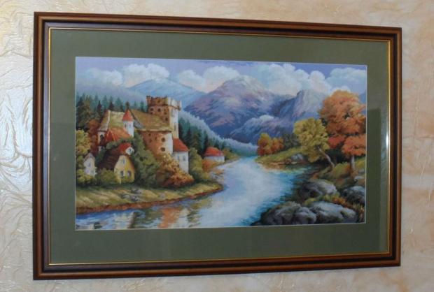 Haft krzyżykowy,,Zamek nad rzeką''
