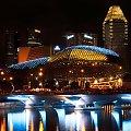 Budynek Opery w Singapurze #chmury #gory #ocean #poranek #przyroda #woda #WschodSlonca
