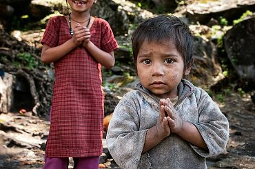 sympatyczne rodzeństwo #gory #Himalaje #ludzie #natura #Nepal #przyroda