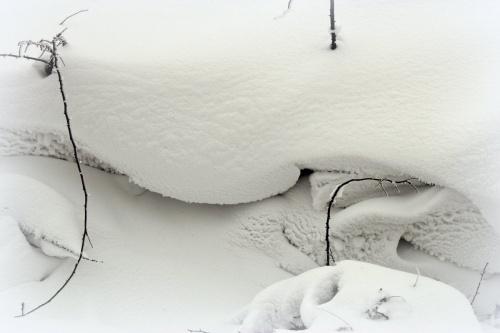 wczoraj byłam na wsi i tak było po drodze ... #Chomiąża #śnieg #wieś #zaspy #zima