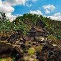 osamotniony domek na szlaku #gory #Himalaje #ludzie #natura #Nepal #przyroda