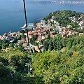 Widok z kolejki linowej na Laveno i jezioro Maggiore #KolejkaLinowa #Kolejka #Wyciąg #SassoDelFerro #Włochy #góry