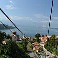 Widok z kolejki linowe na Laveno i jezioro Maggiore #KolejkaLinowa #Kolejka #Wyciąg #SassoDelFerro #Włochy #góry