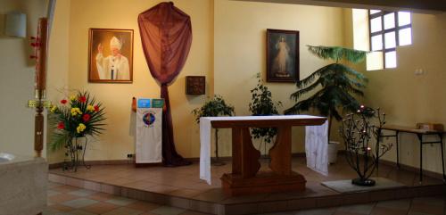 Kaplica Miłosierdzia Bożego ... (w moim kościele) #bukiety #kaplica #WielkiCzwartek #Kędzierzyn
