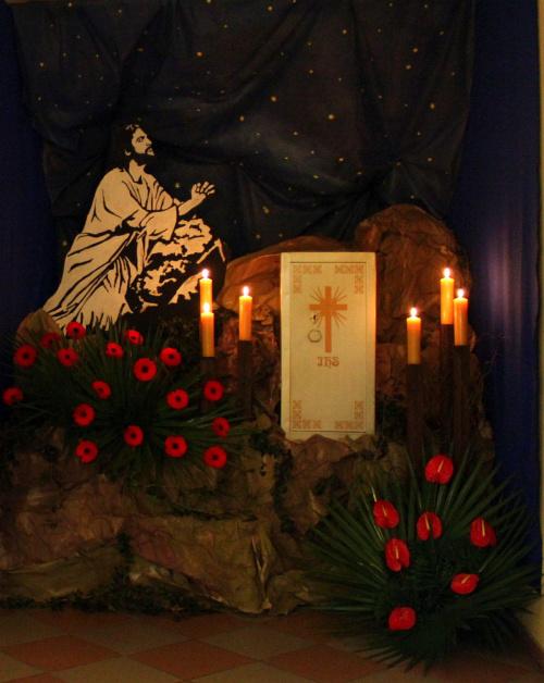WIELKI CZWARTEK - CIEMNICA #bukiety #Ciemnica #Kędzierzyn #kościół #kwiaty #WielkiCzwartek