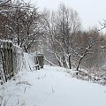 zima nie odpuszcza ... to jest moja Chomiąża, miejsce do którego ciągle wracam :) malutka wieś, tuż nad czeską granicą ... za rzeką, którą widać na zdjęciu są już Czechy :) pozdrawiam Was cieplutko :) **** ulub. amyw **** #Chomiąża #święta #Wielkanoc