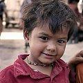 maly mieszkaniec Delhi #Indie #ulica #ludzie