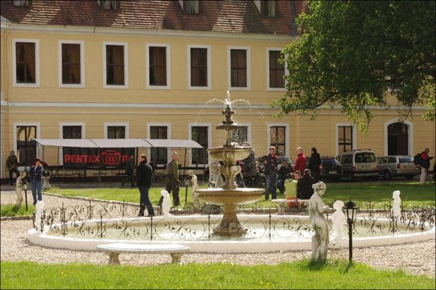 Brody- oficyna przy ruinach pałacu Brühla, w której mieści się hotel i restauracja #Brody #hotel #oficyny