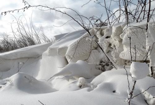 dzisiaj jechałam na swoją wieś i po drodze spotkałam taką zimę ... :)) #śnieg #zaspy #zima