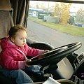 Jadę sobie ciężarówką :) Jestem bardzo skupiona... #kierowca #Maja #wnuczka